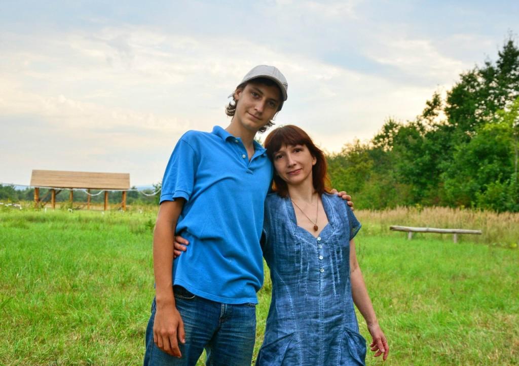 Подрос наш мальчик... А когда приехали 2 года назад в поместье - Андрей был чуть ниже мамы))
